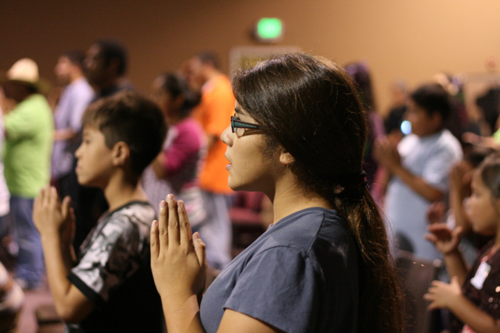 Youth_praying