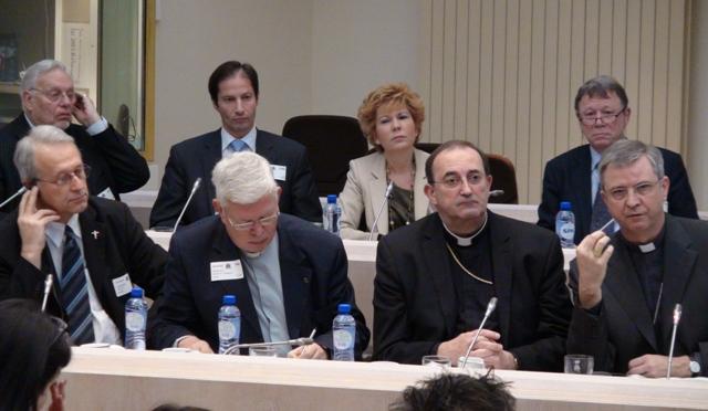 Abus sexuels en relation pastorale 2014 dans Abus commission_abus_eveques