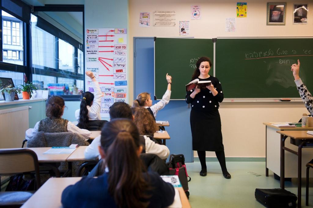Selon-FSJU-familles-declarant-juives-scolarisent-leurs-enfants-selon-regle-trois-tiers-tiers-dans-public-tiers-dans-prive-juif-tiers-dans-prive-laique-catholique_0_1400_933